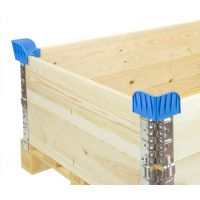 Plastic pallet corner for collars