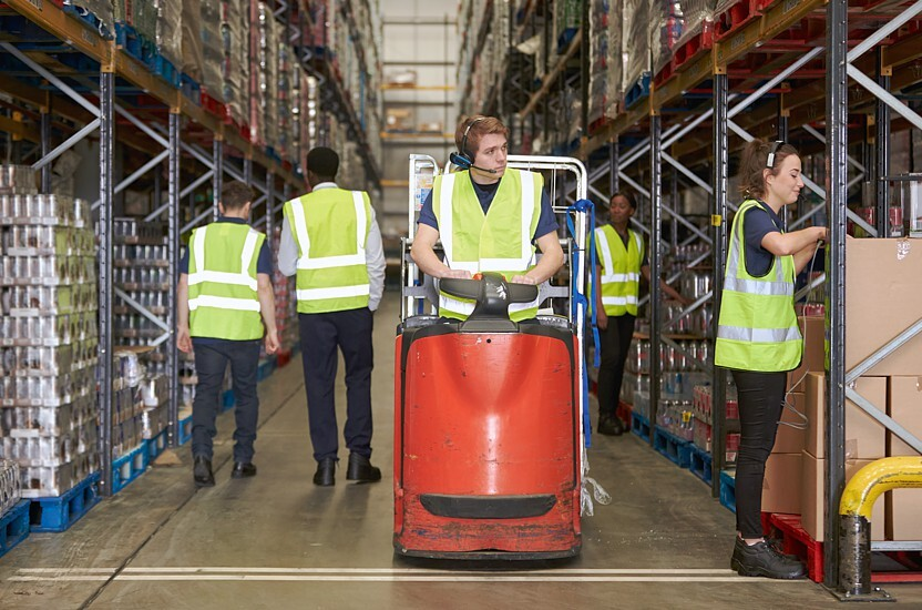 Work fast and efficiently in the e-commerce industry with rollcontainers