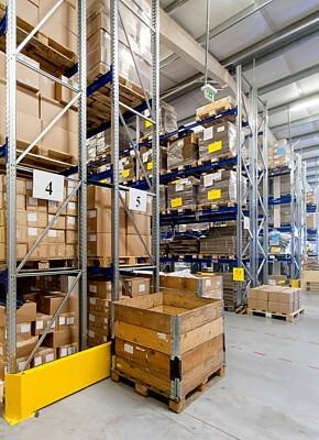 Efficient warehouse operations using the role of customised packaging
