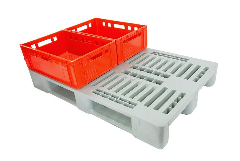 H1 plastic pallet and matching E2 containers